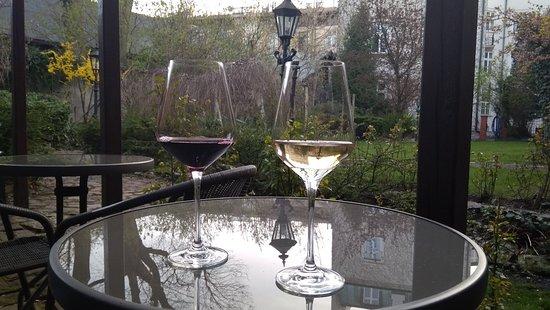 Idealne na wino i relaks w zieleni