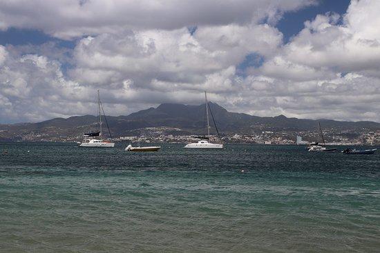 Anse-à-l'Ane: A mountain on an island