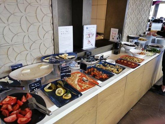 Yasmak Comfort Hotel: здесь можно заказать горячие блюда