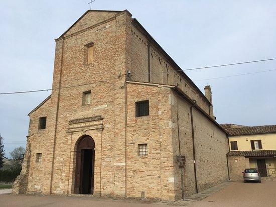 Santa Maria a Pie di Chienti: Santa Maria a Piè di Chienti