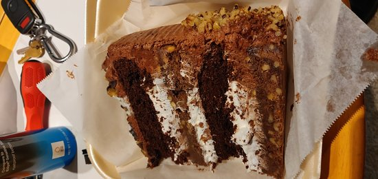 Marietta Diner: Rocky road cake & chocolate suicide cake