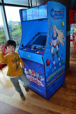 máquinas arcade repletas de juegos retro