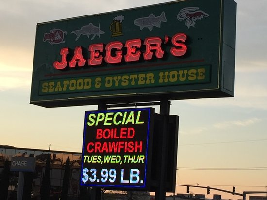 Jaeger's Seafood and Oyster House: Look for the sign!