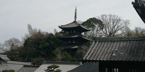 東塔(三重塔)です