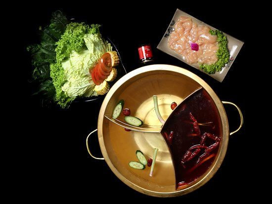 Xiao Long Kan Hotpot: Lunch for for 1- 2 Pax Comes with 2 flavoured Soup Base Sliced Tender Chicken and Assorted Vegetables.