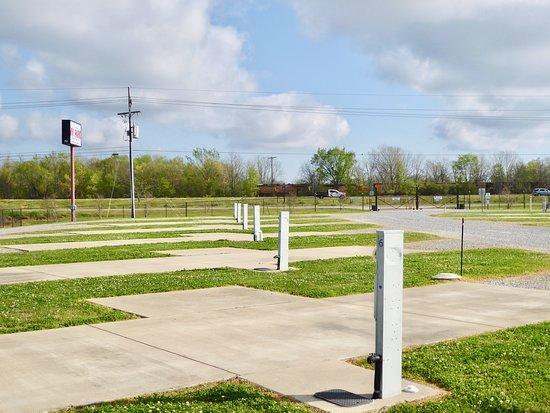 Boyce, Louisiane: Trein die voorbij komt langs River City park