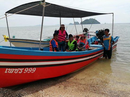 Sawi, Thailand: มีเรือให้บริการทุกวันเลยค่า ติดต่อได้เลยค่า  โทร 087-5599 406,098- 084 8835