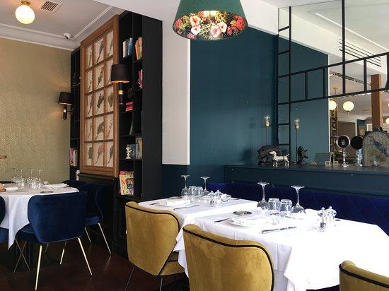 Salle de restaurant Comus