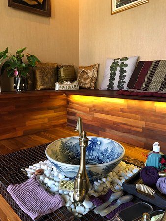 Cith Thai Spa: Alt for dejlig behandling hos de sødeste damer i City Thai Spa. Det er et must på næste tur også, at vi skal herind. Vi startede med fodbad og fik derefter 1 times luksus Thai-massage. Vi er næsten reborn ☺️🙌🏻