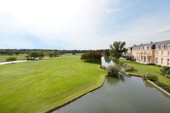Mercure Chantilly Resort & Conventions: Hôtel vue golf