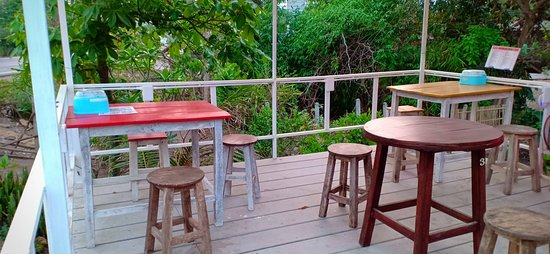 Thapai Station is a new restaurant near the memory bridge at Pai, Mae Hong Son. We do thai food and fusion food in Thai northern food.