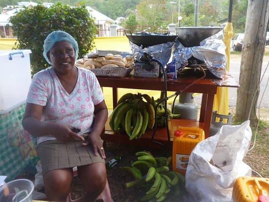 Anse Aux Pins, Seychelles: Banane fritte   , una delle prelibatezze della cucina creola....oltre le chips del frutto del pane le mie preferite...