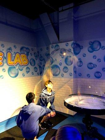 WonderWorks: Bubble lab