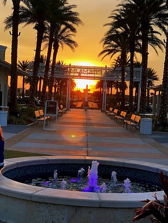 Hyatt Place Tampa/Wesley Chapel: Sunset at Premium Outlet