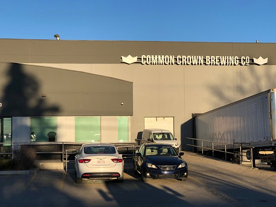 ‪Common Crown Brewing Co‬