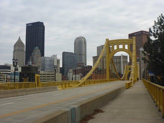 Andy Warhol Bridge: Downtown Pittsburgh & 7th St Bridge