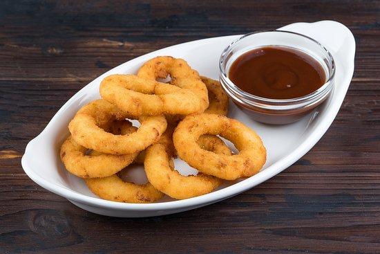 God, saves this food)) Луковые кольца обязательны к пенному.
