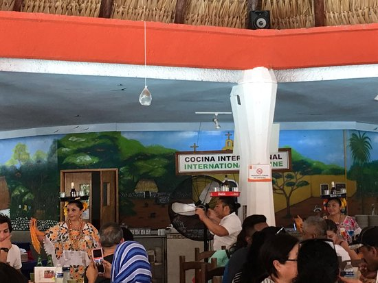 Chichen Itza Classic Day Tour from Cancun: Restaurant with dancers