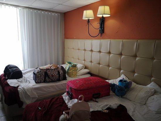 Habitacion con dos camas, y nada mas....