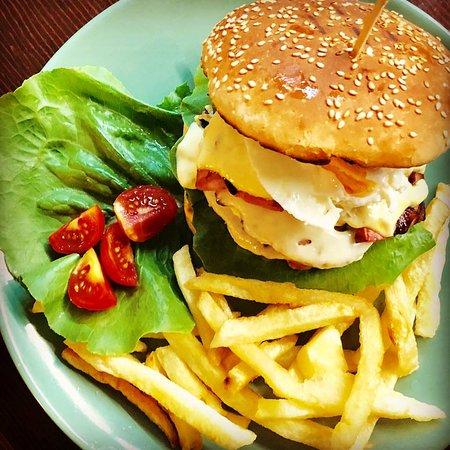 Burger Scholarhio