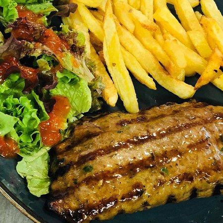 Scholarhio stuffed burger with french fries