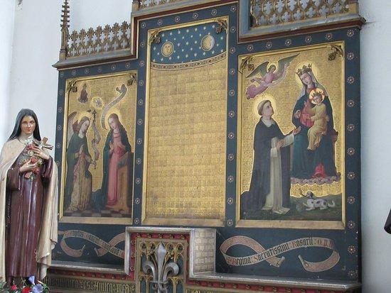 Eglise Sainte-Elisabeth: Détail de l'autel de l'une des chapelles