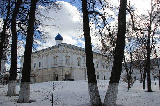 Pokhvaly Bozhiyey Materi Church