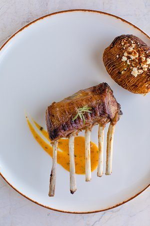 Lil'a Restaurant: Rack of Lamb served with roasted Cappadocia potatoes, flavored with village butter, çömlek (potted) cheese and powdered pastrami