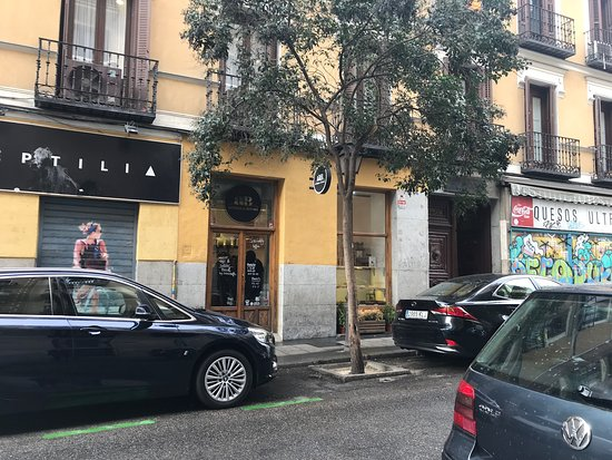 Aroma and Bread: Exterior