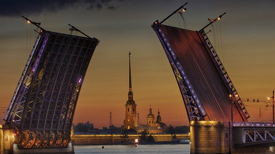 """St. Petersburg, Russia: """"5 motivi per visitare San Pietroburgo :  - l'arquitettura incomparabile - e notte bianche - i ponti levatoii - e fontane di Peterhof - la cuccina russa, diversa e deliziosa  Le cerchiamo la guida en San Pietroburgo en 1 ora.  Per fare la reservazione, chiamate + 7 921 941 67 61. Disponibile en Direct, WhatsApp, Viber, Telegram."""