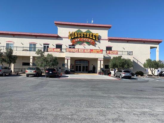 Longstreet Inn Casino & RV Resort: The entrance