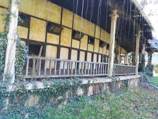 Legnano, Italy: Strutture in rovina,ma bellissime