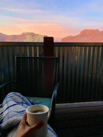Moab Springs Ranch: Morning coffee sunrise