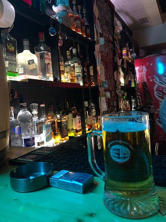 Shame pub great place to hang out with friends . Good vibes . Guys new to Armenia should try out this place .✌🏼