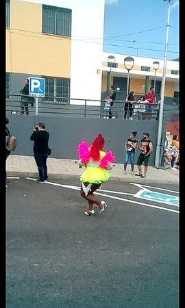 Santa Cruz de Tenerife, Spanyolország: La mas animada de todos los que desfilaban.