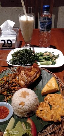 De'leuit Restaurant Image