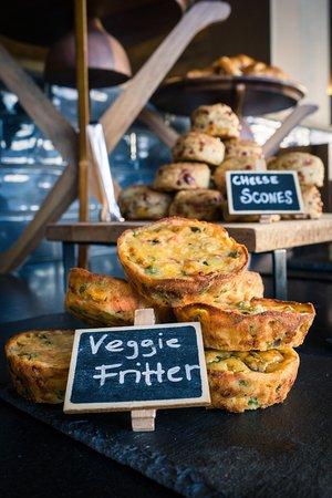 Nest Kitchen + Bar: Breakfast bar