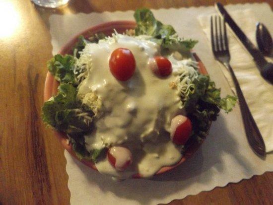 Del's Restaurant: Very basic salad bar