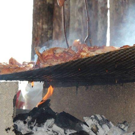 Fu Wi Flavaz: daily menu includes open fire grill chicken or pork (bbq)