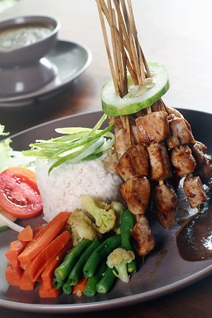 Chicken Sate with peanuts sauce