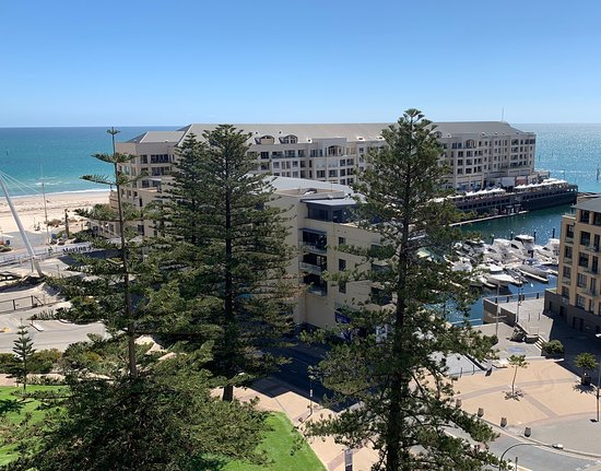 Ensenada Motor Inn and Suites: Oceanview Apartment - two bedroom apartment located 10th floor at 29 Colley Terrace