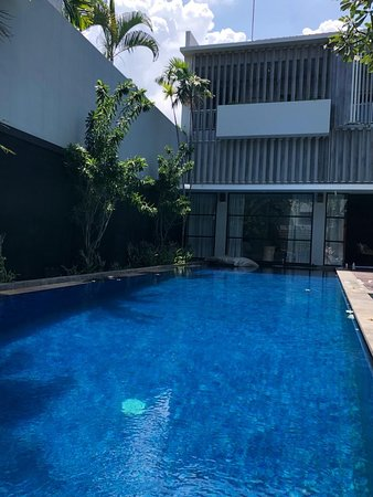 Great location and nice villa. Will be back!