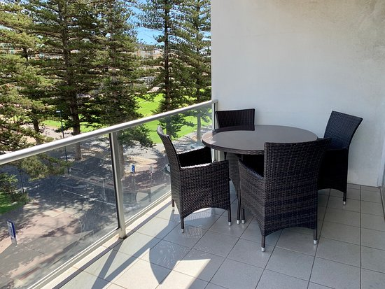 Seaview Apartment - two bedroom apartment located at 16 Colley Terrace, 50 metres north of the Hotel with both park and sea views
