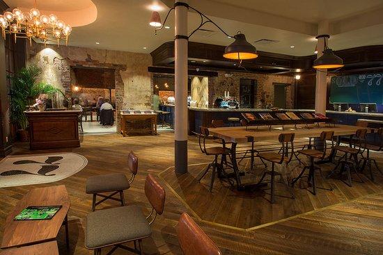 Old No. 77 Hotel & Chandlery: Lobby