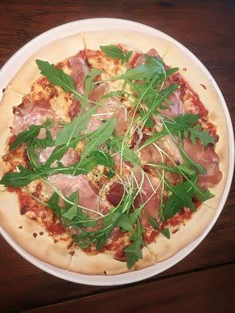 Nadia Pizza