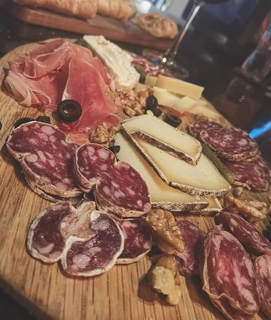Cold cuts & cheese platter