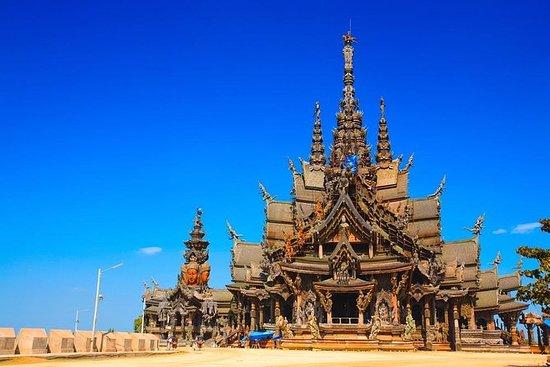 Pattaya, entrada al santuario de la...