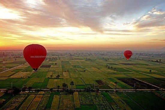 ルクソールの素晴らしい熱気球に乗る