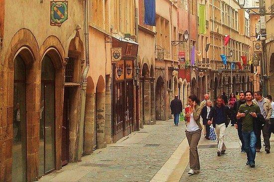Lyon Highlights & Secrets Tour