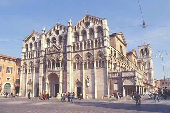 Ferrara belyser liten gruppresa med ...